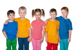 Un gruppo di cinque bambini felici Fotografia Stock Libera da Diritti