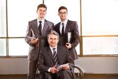 Un gruppo di uomini d'affari Fotografie Stock Libere da Diritti