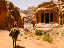 Un guide bédouin dans PETRA photo stock