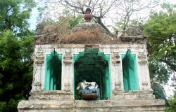 Un hall ruiné de temple dans le thiruvarur images libres de droits