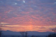 Un hermoso de la puesta del sol en tiempo de la tarde Fotografía de archivo libre de regalías