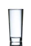 Un highball completo di acqua Fotografie Stock Libere da Diritti