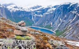 Un hombre de piedra en las montañas de Skjeggedal Foto de archivo libre de regalías
