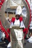 Un hombre en la alineada del estallido en el carnaval de Notting Hill Fotografía de archivo libre de regalías