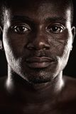 Un hombre negro joven Foto de archivo