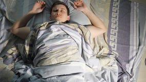 Un hombre que duerme y ver pesadilla metrajes