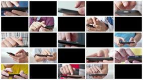 Un hombre usando los apps en un smartphone móvil de la pantalla táctil almacen de metraje de vídeo