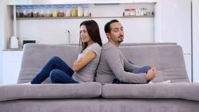 Un hombre y su esposa tienen tiempo de la diversión almacen de video