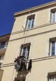 Un homme attaché vers le haut du halètement Photographie stock libre de droits