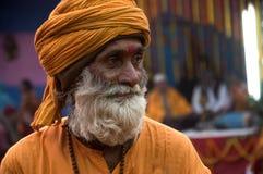 Un homme avec un turban jaune Photo libre de droits