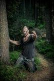 Un homme ensanglanté de zombi Images libres de droits