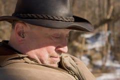 Un homme plus âgé dans les bois Image stock