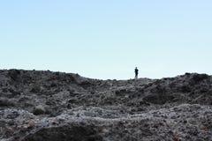 Un homme regardant à l'océan San Sian Tai Image libre de droits