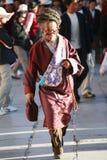 Un homme tibétain aîné sur le MARCHÉ de Lhasa BARKOR Image stock