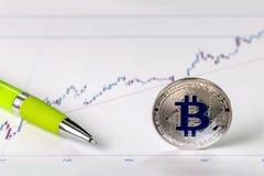 Un'immagine con un segno del bitcoin immagine stock libera da diritti