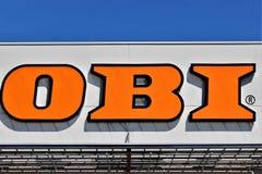 Un'immagine di un deposito di OBI - logo - Minden/Germania - 07/18/2017 Immagine Stock