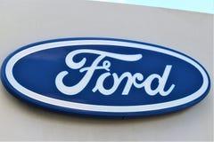 Un'immagine di un logo di Ford - Bielefeld/Germania - 07/23/2017 Immagine Stock Libera da Diritti