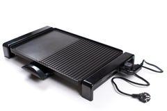 Un'immagine di nuovo barbecue elettrico su fondo bianco Fotografia Stock Libera da Diritti