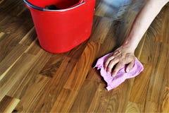 Un'immagine di, pulente un pavimento, lavoro domestico immagini stock libere da diritti