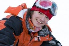 Un'immagine di stile di vita di salute di giovane snowboarder Immagini Stock