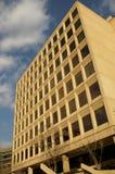 Un immeuble de bureaux plus ancien   Photographie stock libre de droits
