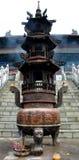 Un incensario chino alto en la montaña de Wudang Fotografía de archivo libre de regalías