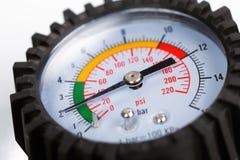 Un indicador de presión del compresor Foto de archivo libre de regalías