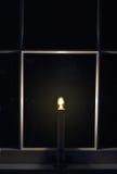 Un indicatore luminoso nella finestra immagini stock