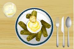Un'insalata in un piatto royalty illustrazione gratis