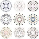 Un insieme degli ornamenti colorati immagine stock
