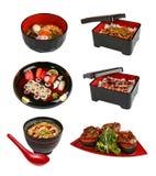 Un insieme dei piatti giapponesi tradizionali Su una priorit? bassa bianca fotografia stock