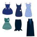 Un insieme della femmina si veste nei toni blu, in una gonna ed in un rivestimento senza maniche Abbigliamento del ` s delle donn Fotografie Stock
