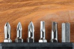 Un insieme della raccolta degli strumenti da si dirige verso i pezzi di cacciavite Fotografia Stock
