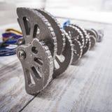 Un insieme di attrezzatura rampicante per la scalata delle rocce Immagini Stock