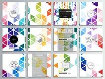 Un insieme di 12 carte creative, progettazione quadrata del modello dell'opuscolo Fondo variopinto astratto di affari, alla moda  Immagine Stock