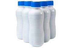 Un insieme di cinque bottiglie di plastica per i bio- prodotti Fotografie Stock