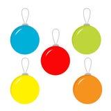Un insieme di cinque palle di Natale. Immagine Stock