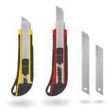 Un insieme di due coltelli e lame della cancelleria isolati su fondo bianco, illustrazione realistica Fotografia Stock