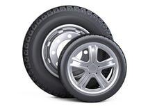 Un insieme di due gomme Nuove ruote di automobile con il disco per le automobili ed i camion - Fotografia Stock Libera da Diritti