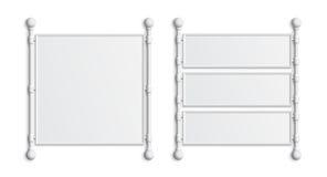 Un insieme di due insegne bianche in bianco Fotografie Stock