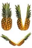 Un insieme di due metà dell'ananas Fotografia Stock Libera da Diritti