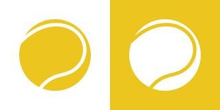 Un insieme di due variazioni delle icone semplici della pallina da tennis Su bianco e su un fondo giallo illustrazione di stock