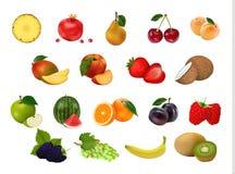 Un insieme di 18 frutta fresche su fondo bianco Immagini Stock