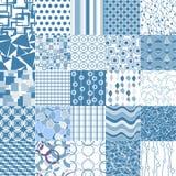 Un insieme di 25 modelli senza cuciture blu Fotografie Stock