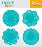 Un insieme di 4 piatti decorativi per interior design - Immagine Stock