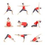 Un insieme di 9 pose di yoga per le donne incinte Fotografia Stock
