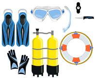Un insieme per l'immersione - una maschera con un tubo, palloni con aria, un coltello, un orologio, alette Fotografia Stock
