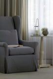 Un intérieur avec le fauteuil Photos libres de droits