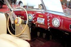 Un interiore di retro vecchia automobile Fotografia Stock Libera da Diritti