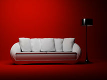 Un interiore moderno con un sofà e una lampada di pavimento Fotografia Stock